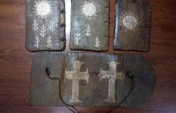 Adana'da tarihi kutsal kitaplar ele geçirildi
