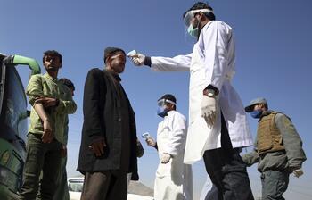İran'da 54 asker corona virüse yakalandı