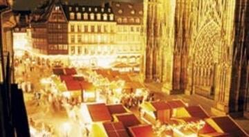 Fransa'nın en eski Noel pazarı Strasbourg'da