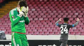 7 gollü maçta zafer Napolinin