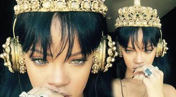 Rihanna yeni albümünü 27 bin TLlik kulaklıkla dinledi
