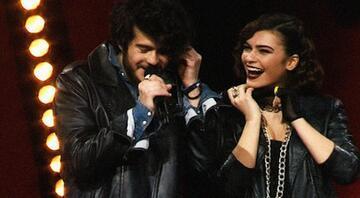 Emre Sertkaya ile sevgilisinin müthiş O Ses Türkiye düeti