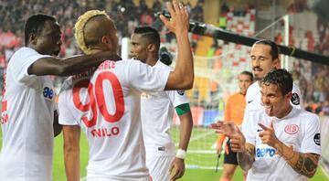 Antalya-Fenerbahçe maçında isyan ettiren olay: Reziller