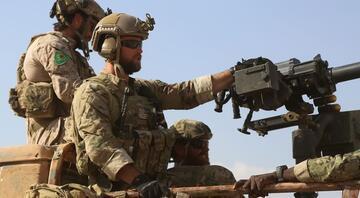 ABD askerlerinin üniformalarındaki YPG armaları sökülecek