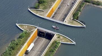 Hollandada fizik yasalarını alt üst eden yol