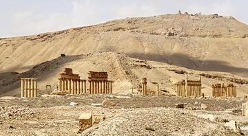 DEAŞ Palmira'da  saldırıya geçti