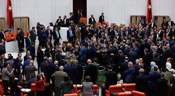 Mecliste gerilim... Kavga çıktı... 3, 4 ve 5. madde kabul edildi