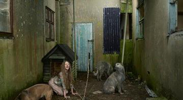 Yabani hayvanlarla yaşayan çocuklar