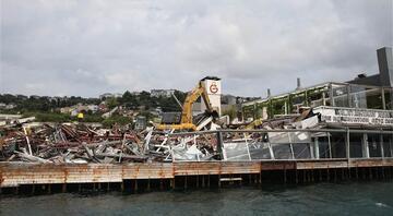 İşte o anlar Galatasaray Adası yıkılıyor...
