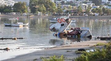Deniz yükseldi, tsunami gibi onlarca aracı sürükledi