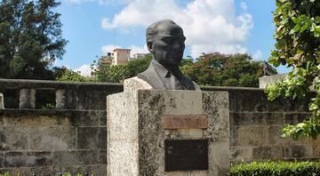 Atatürk'ün aziz hatırasının bulunduğu dünya şehirleri
