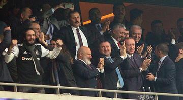Cumhurbaşkanı Erdoğan, Beşiktaşın golüne böyle sevindi