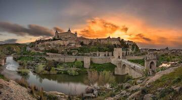 İspanyanın görkemli yapılarıyla büyüleyen kenti: Toledo