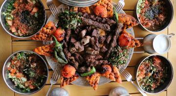 Türkiyenin en lezzetli şehri Bu yemekler damak çatlatıyor...