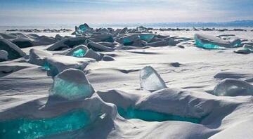 Donmuş Baykal Gölü'nde bir kış masalı