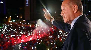 Cumhurbaşkanı Erdoğanın balkon konuşması: Bu seçimin galibi demokrasidir