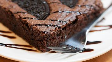 Kakaolu bisküvili brownie tarifi