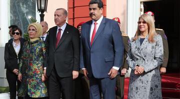 Venezuelalı askerlerden Cumhurbaşkanı Erdoğana jest