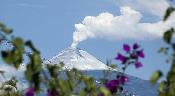 Popocatepetl Yanardağı ürkütüyor