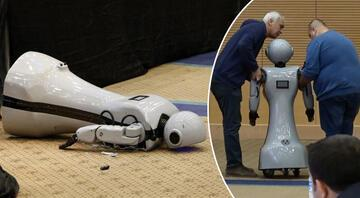 Antalyada insansı robot sahneden düşüp, parçalandı