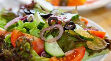 Ballı nar ekşisi soslu Anadolu salatası tarifi