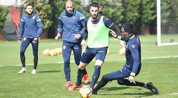 Medipol Başakşehir dev maça hazırlanıyor