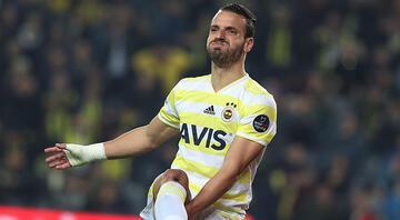 Fenerbahçeden Roberto Soldadoya yeni sözleşme