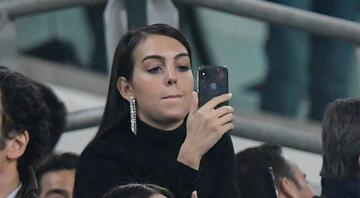 Ronaldonun hat-tricki ağlattı Tribünde...
