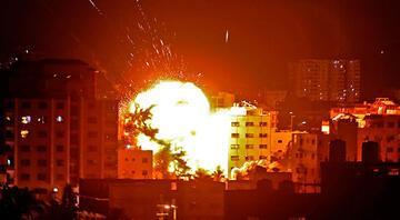 İsrail, AA ofisinin de bulunduğu binayı vurdu Tepkiler yağdı...