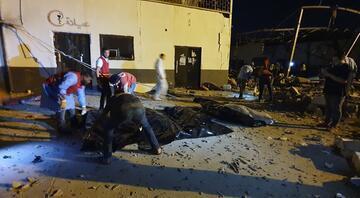 Hafter güçleri, göçmen merkezini vurdu Çok sayıda ölü ve yaralı var