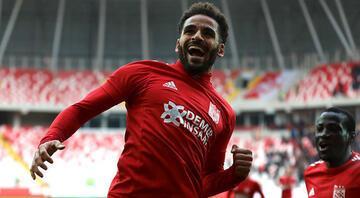 Douglas çıldırttı Beşiktaş ve Galatasaray... | Transfer Haberleri