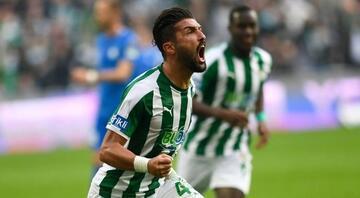Beşiktaş derken, Fenerbahçeye gidiyor    Son dakika transfer haberleri...