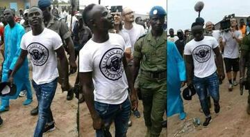 Futbolcular tatilde, Sadio Mane şantiyede Doğup büyüdüğü toprakları unutmadı…