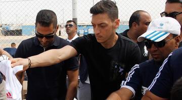 Cocunun hamlesi sonrası Mesut Özil sürprizi Domino etkisiyle...