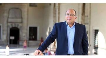 Ahmet Haluk Dursunun hayatına dair bilgiler