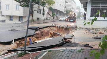 Kocaelinde sağanak Ev ve iş yerlerini su bastı, yol çöktü