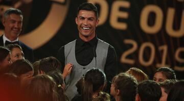 Portekizde yılın futbolcusu Ronaldo Quinas de Ouro ödülleri...
