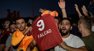 Falcaodan Galatasaray taraftarlına videolu teşekkür