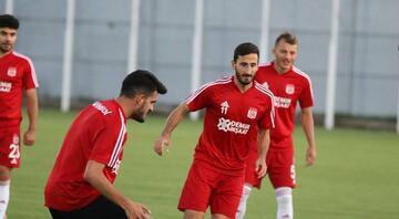 Demir Grup Sivasspor antrenmanı 4 eksikle sürdürdü
