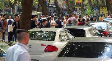 Deprem nedeniyle vatandaşlar tahliye edildi, trafikte aksama oldu