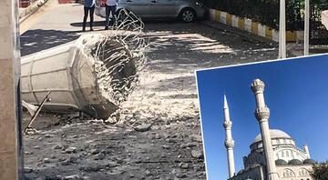 İstanbul Avcılarda caminin minaresi yıkıldı