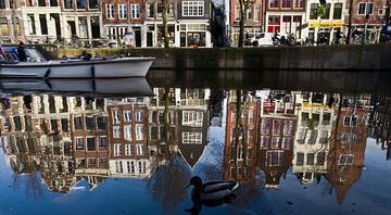 Hollandada restoran ve kafelerde sigara tamamen yasaklandı
