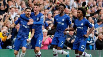 Chelsea evinde iki golle kazandı