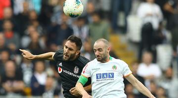 Son Dakika: Beşiktaşa Victor Ruizden kötü haber