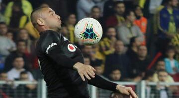 Beşiktaşta derbi öncesi Burak Yılmaz şoku