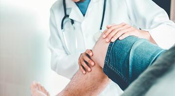 Bacak ağrısına ne iyi gelir Şiddetli bacak ağrısı nasıl geçer, neden olur Evde bitkisel çözüm önerileri