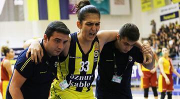 Fenerbahçe - Galatasaray maçında alkış alan hareket
