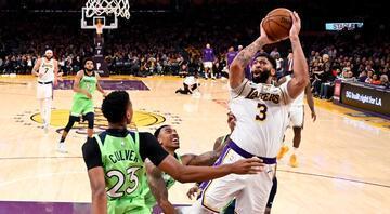 Lakers, Davisin 50 sayı attığı maçta Timberwolvesu yendi
