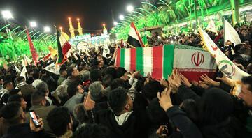 Kasım Süleymani Kerbelada uğurlandı... Yüz binlerce kişi katıldı