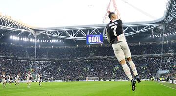 Cristiano Ronaldo, bu kez Merih Demiral ile uçtu Juventusta ilk kez...
